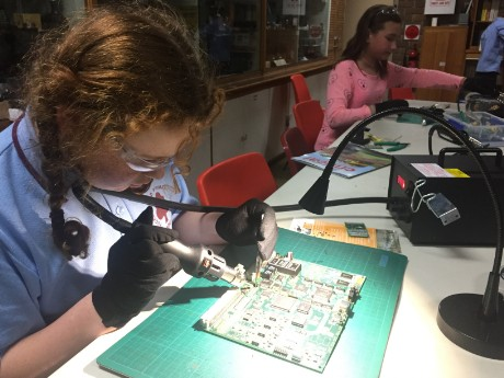 SARCNET STEM Workshop - Desoldering
